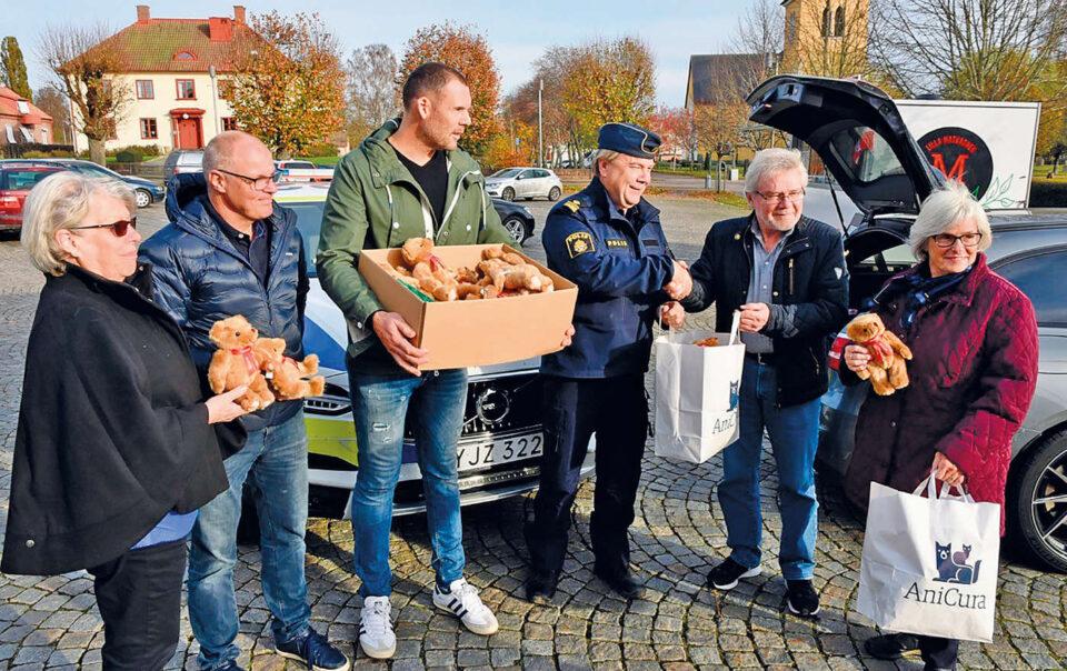 Odd fellow delar ut Oddbjörnar i Osby och Östra Göinge