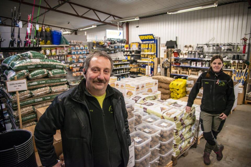 Christensens säljer allt från foder till snittblommor