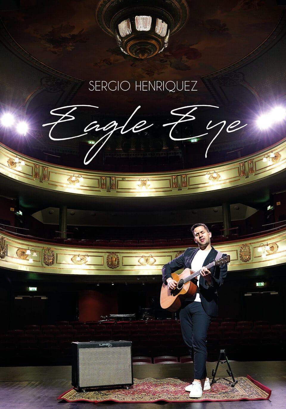Sergio Henriquez spelar in musikalbum